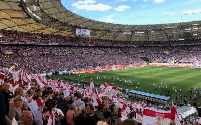VfB Stuttgart feiert Aufstieg in die Bundesliga